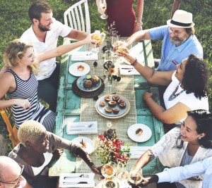 Alfresco a go go. Why you should really eat outdoors more often.